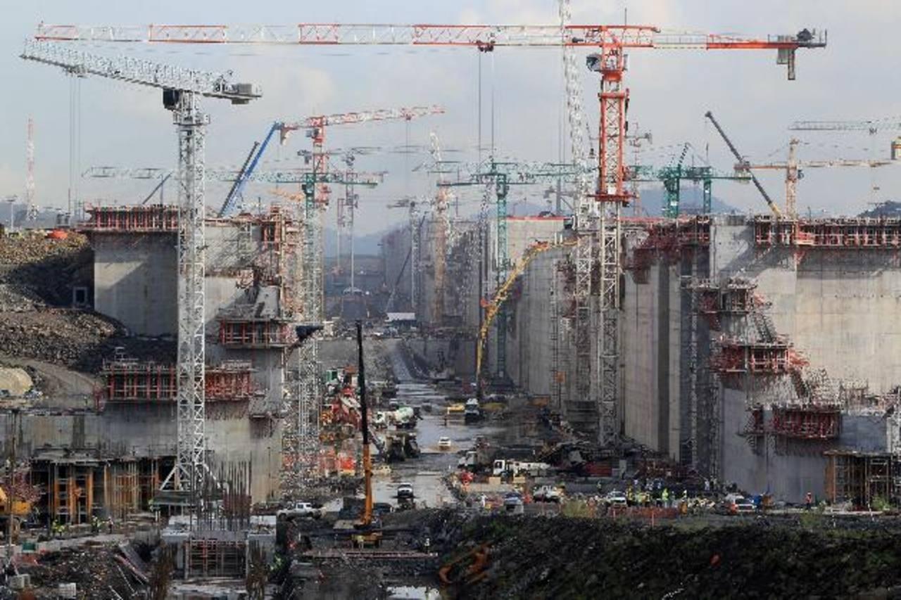 Temas como el desarrollo de la infraestructura y la logística serán abordados en la VII Cumbre Empresarial de las Américas. foto edh / archivo