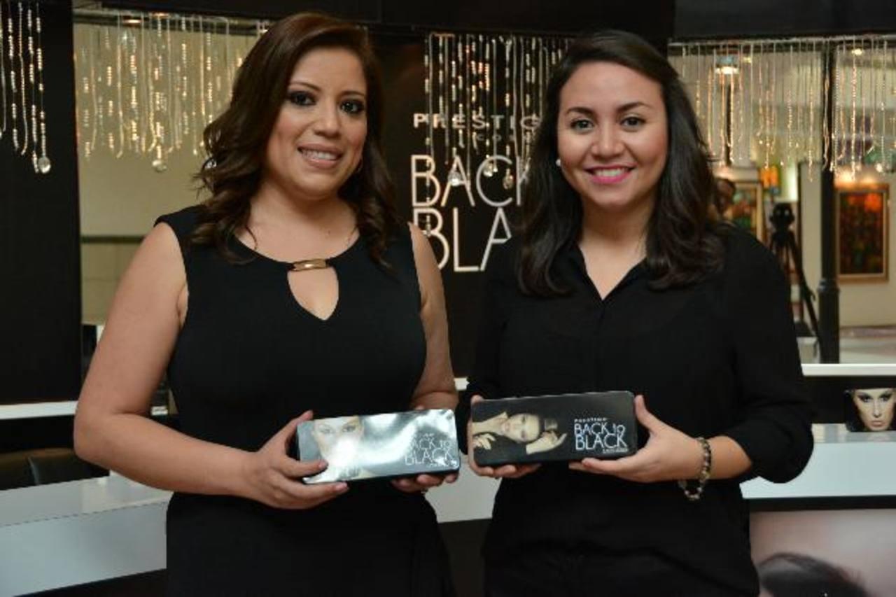 Representantes de la marca dan a conocer la nueva línea de productos de Prestige Cosmetics. Foto EDH / Xenia Zepeda