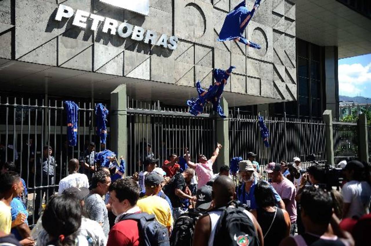 El escándalo por la red de corrupción en Petrobras ha desatado el descontento social en Brasil. foto edh / archivo