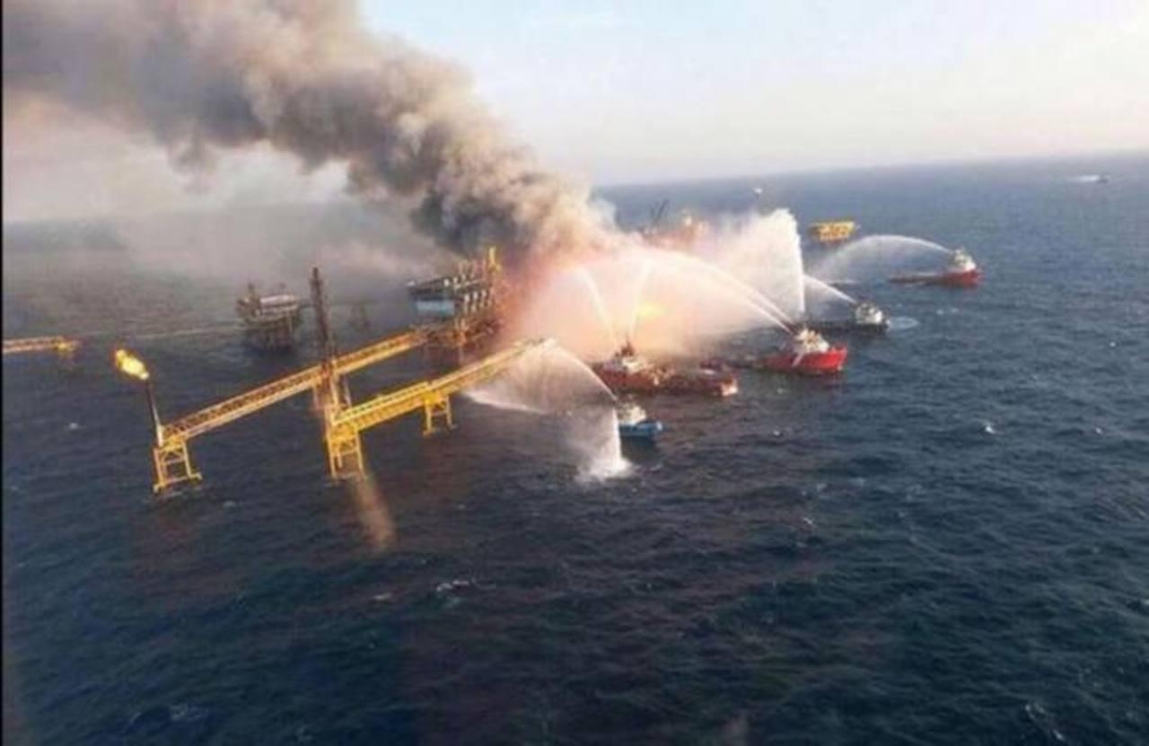 Cuatro muertos en incendio de plataforma petrolífera en México