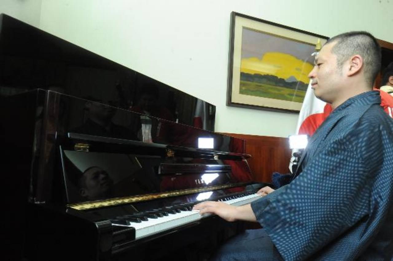 El compositor de música clásica, Masayuki Hirahara, goza de una buena reputación en el mundo. Foto EDH / Lissette Monterrosa