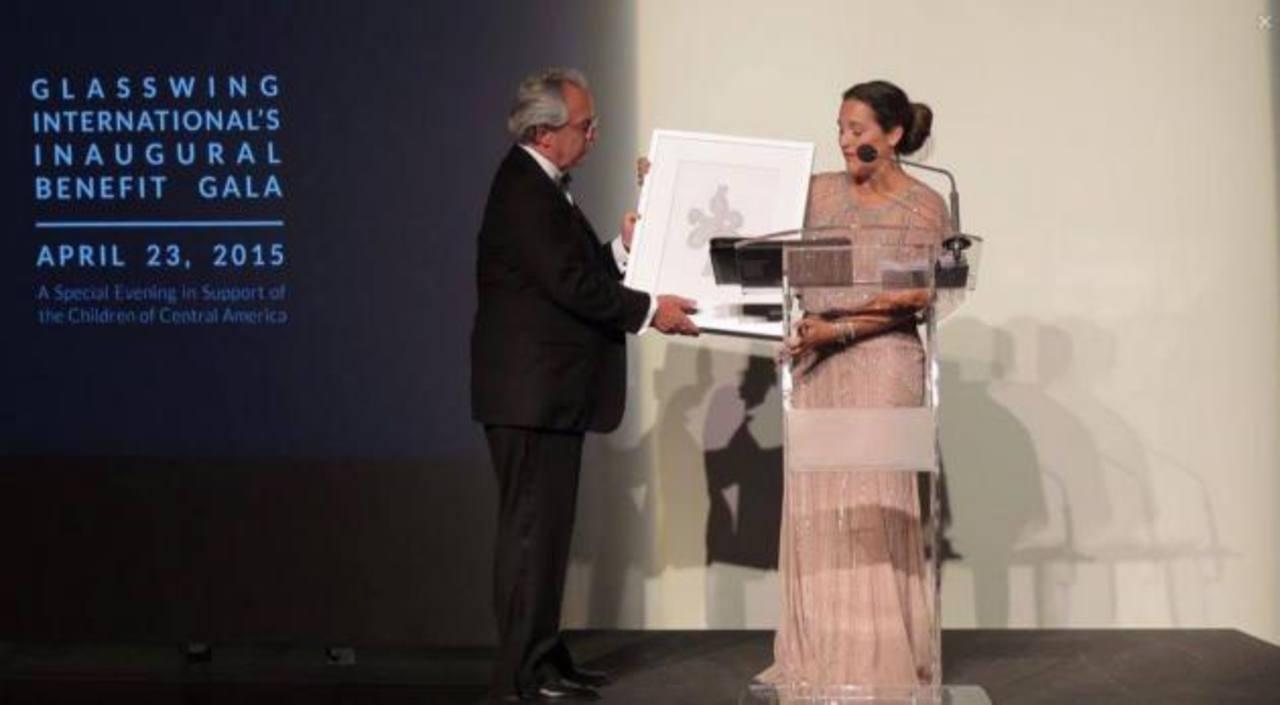 Glasswing International entregó un galardón al presidente ejecutivo de Avianca, Roberto Kriete, por su labor de voluntariado empresarial.