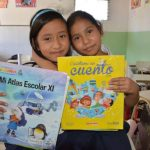 Niños beneficiados con libros de SSE 2014. Foto / OMAR MARTÍNEZ.