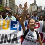Desde febrero del año pasado multitudes han salido a las calles a protestar contra el régimen de Maduro. foto edh / archivo