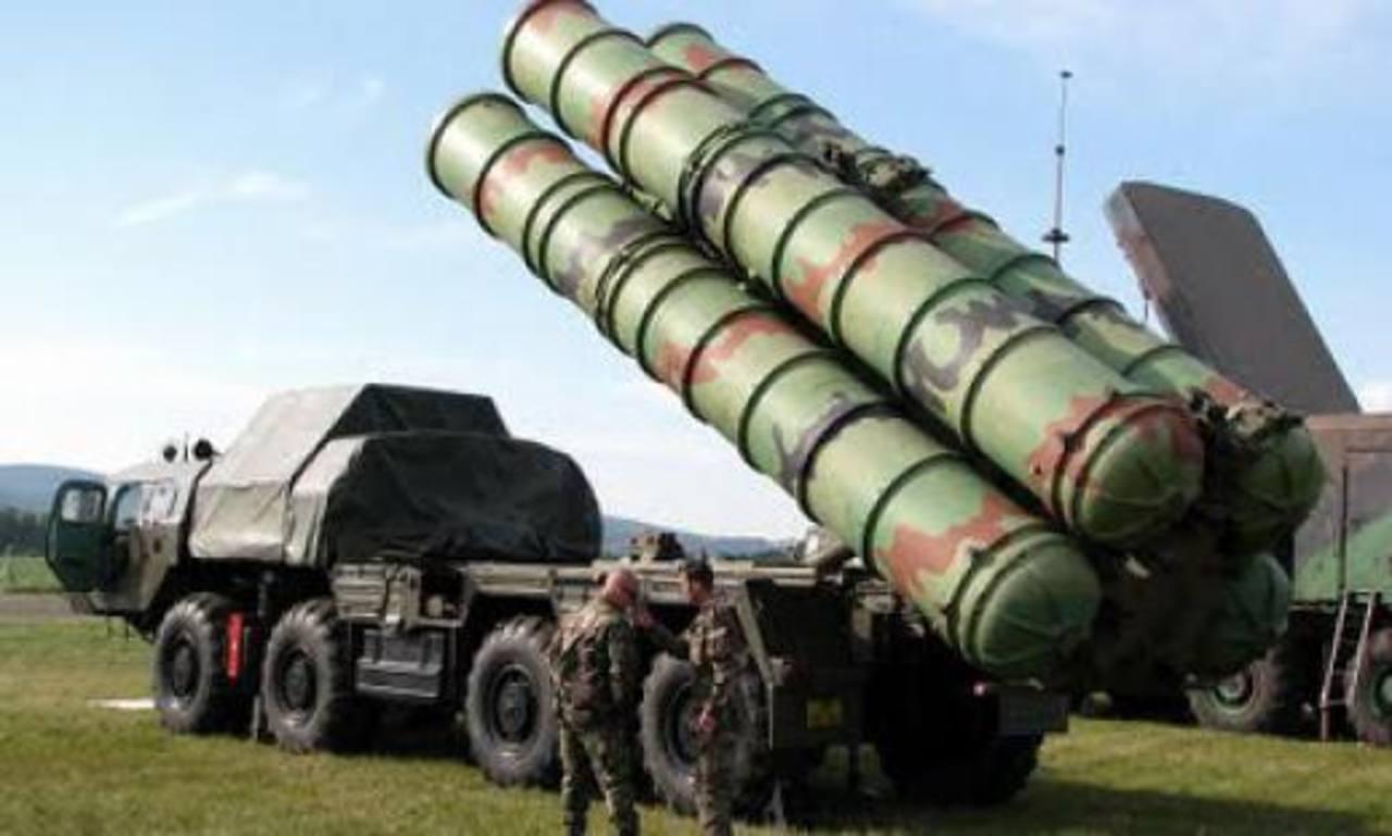 Los misiles S-300 rusos tienen un alcance de hasta 200 kilómetros. Foto EDH / Internet