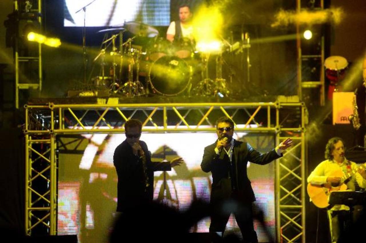 Los dos cantantes mexicanos recordaron sus grandes éxitos. Fotos / Marlon HernándezEl primero en interpretar sus temas en solitario fue Mijares.