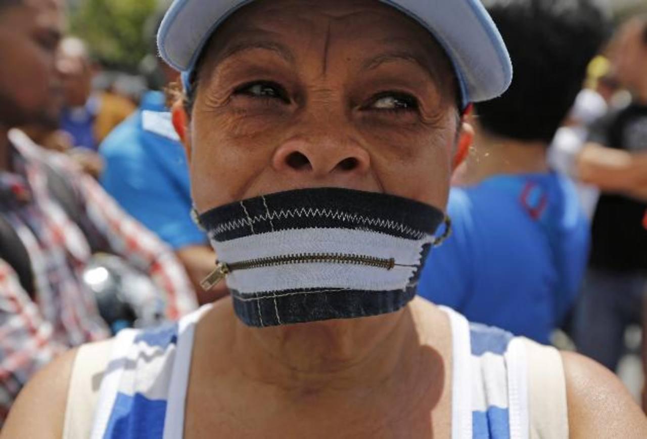 En Venezuela, los opositores han salido a las calles a demandar que cese la represión y haya libre expresión. edh / archivo