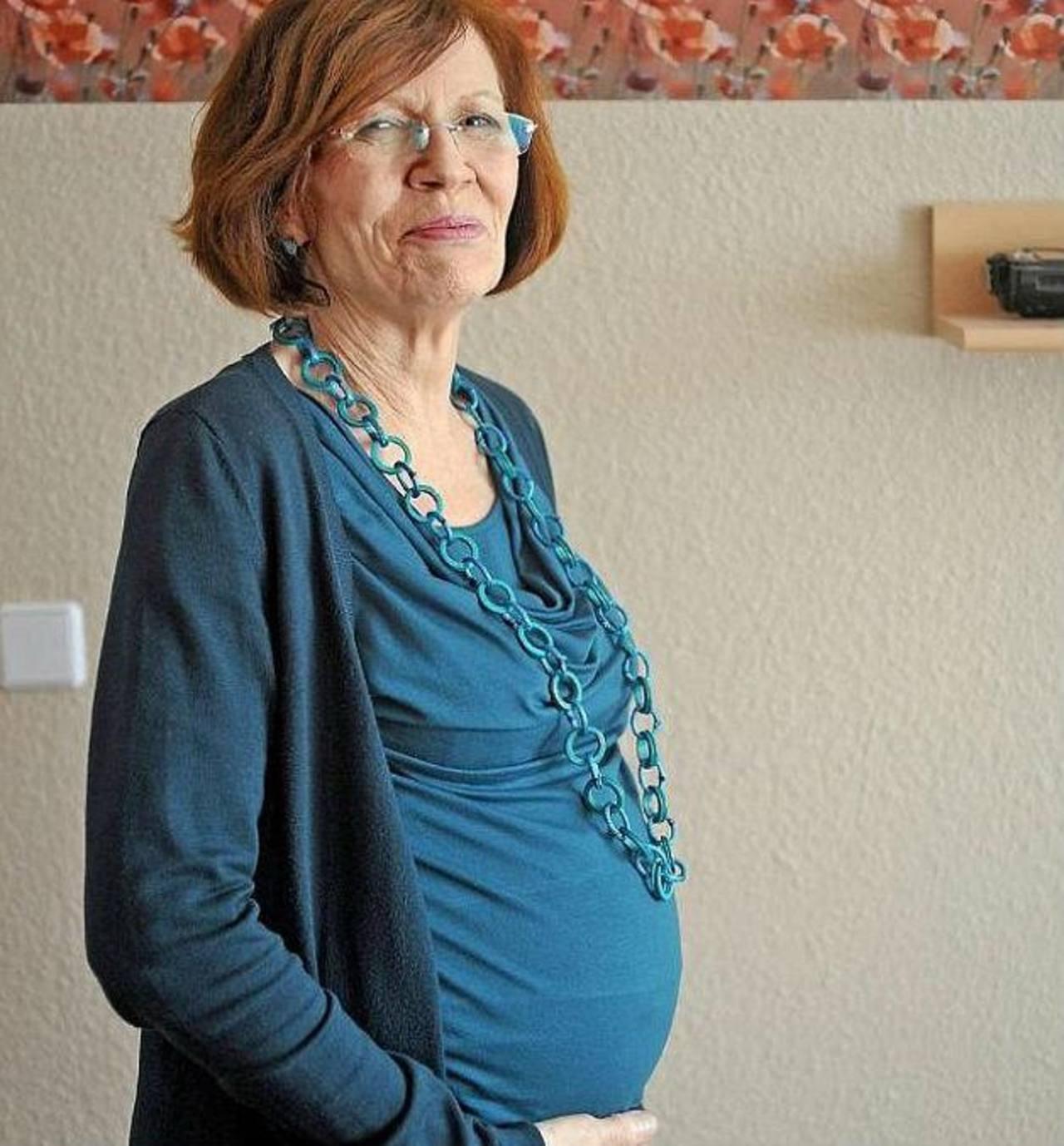 Annegret Roenigk, abuela de 65 años embarazada de cuatrillizos en Alemania