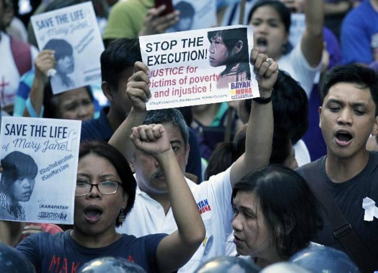 Indonesia ejecuta a 8 reos y salva en el último momento a una presa filipina