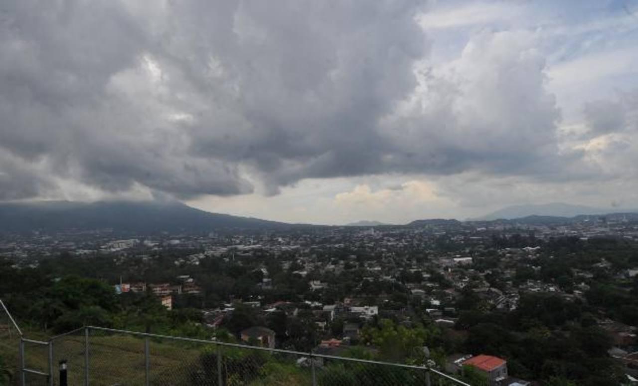 Pronostican lluvias aisladas en El Salvador