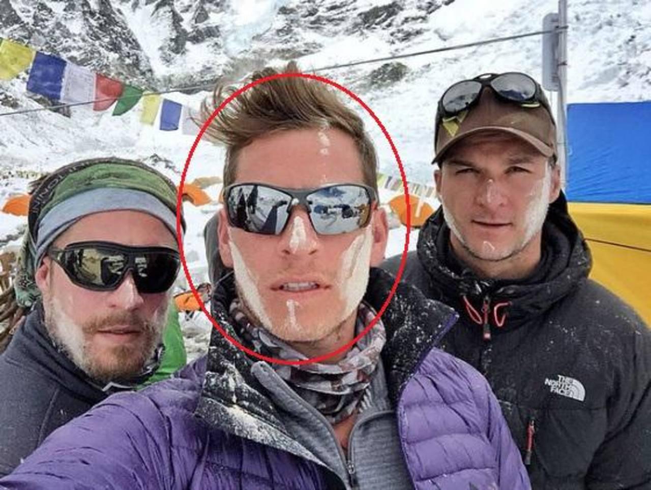 ¿Quién era el ejecutivo de Google que murió en una avalancha en el Everest?