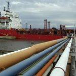 Venezuela envía petróleo bajo condiciones favorables a los países de Petrocaribe, lo que le permite ahorros al Gobierno. Al hacer recortes, también peligran las finanzas públicas. Foto EDH/