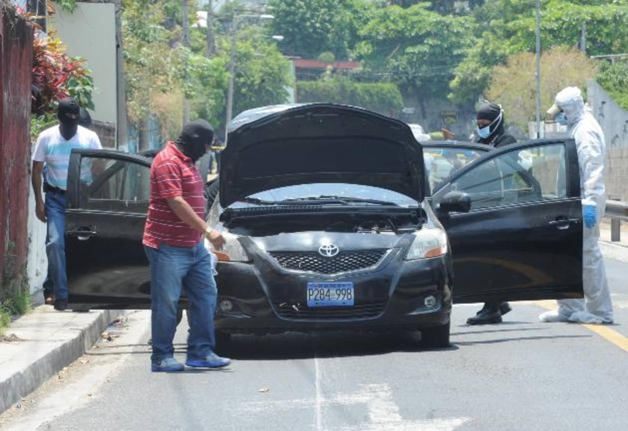 El carro decomisado en la colonia Málaga tenía reporte de robo desde el 31 de marzo. Foto EDH / Lissette Monterrosa.