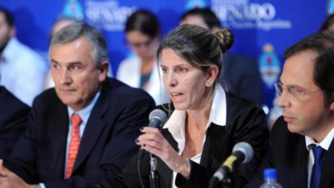 La exesposa de Alberto Nisman, Sandra Arroyo, durante una conferencia a medios locales. foto edh / internet