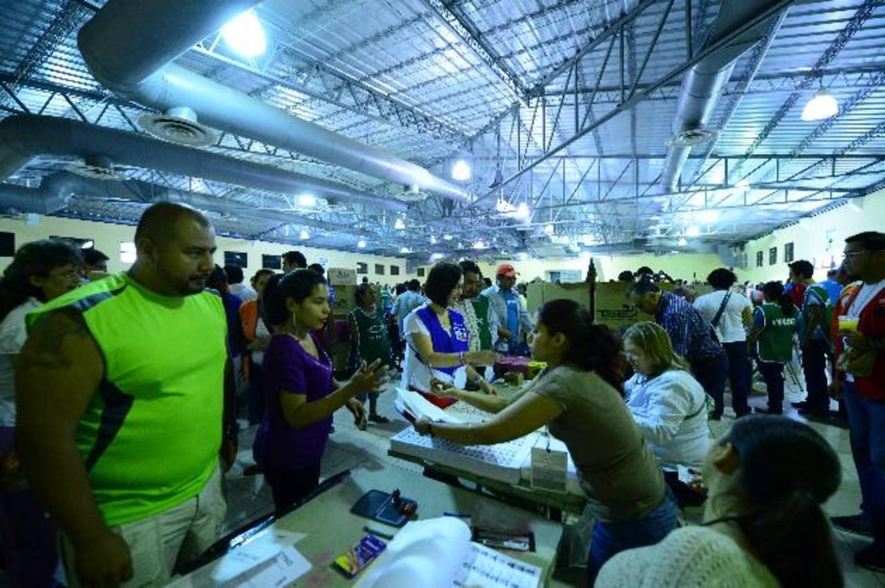 ARENA tuvo una alta votación en centros como el instalado en el Centro Internacional de Ferias y Convenciones (Cifco), uno de los más grandes de la capital. Foto EDH / archivo