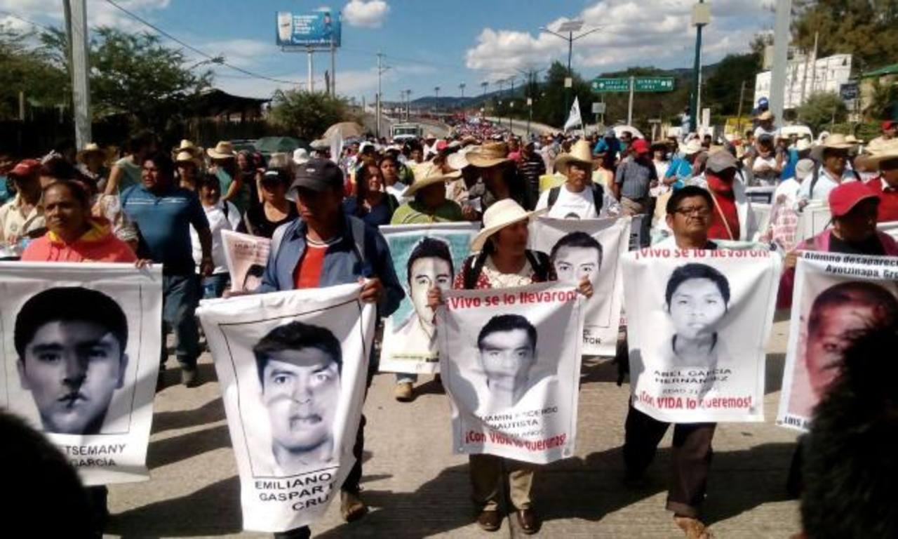 Familiares de 43 mexicanos desaparecidos recorrerán EE.UU. para denunciar caso
