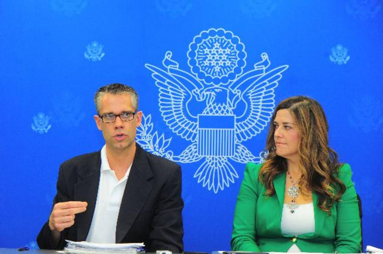 Funcionarios del Programa de Refugiados explican los avances que ha tenido para reunificar a menores salvadoreños con sus padres que residen legalmente en EE. UU. Foto EDH / D. Marroquín