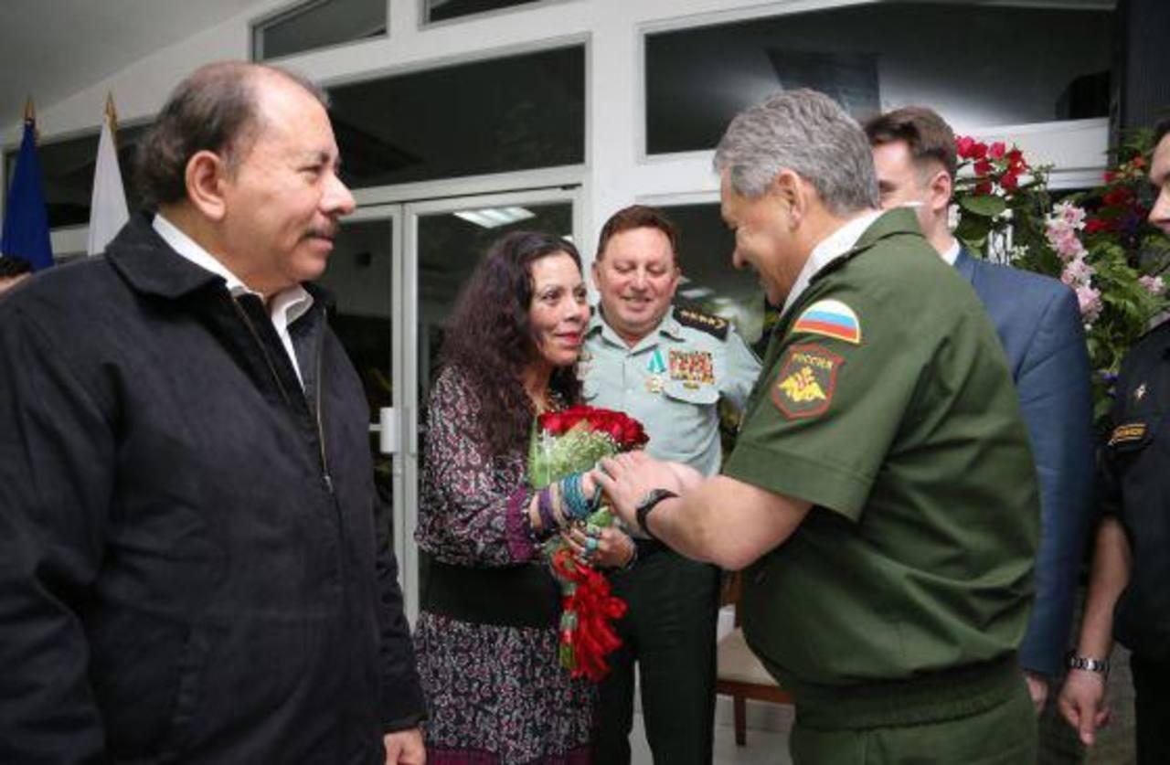 Daniel Ortega, presidente de Nicaragua, nombra canciller a su esposa y asesores a 4 de sus hijos