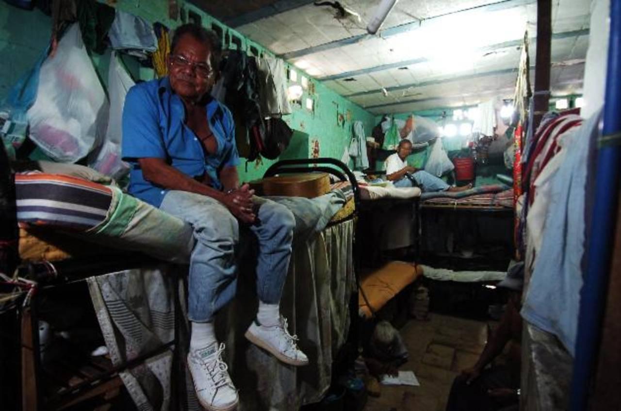 Denuncian a El Salvador por crisis en sistema carcelario