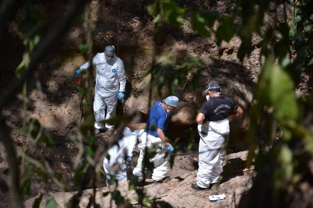 La mayoría de personas desaparecidas son encontradas en tumbas clandestinas, en municipios de San Salvador, La Paz, La Libertad, San Miguel y Usulután, entre otros.
