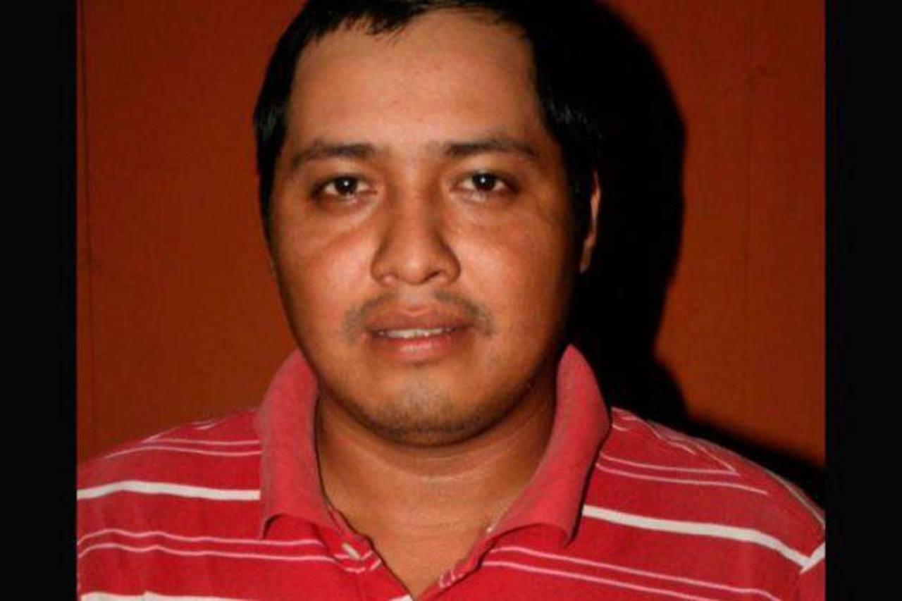Danilo López, corresponsal de Prensa Libre, fue ultimado ayer en el parque de Mazatenango. foto edh / tomada de PRENSA LIBRE
