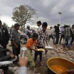 """ONG dicen que es """"crucial"""" proporcionar agua, alimentos y saneamiento de emergencia. foto edh / ap"""