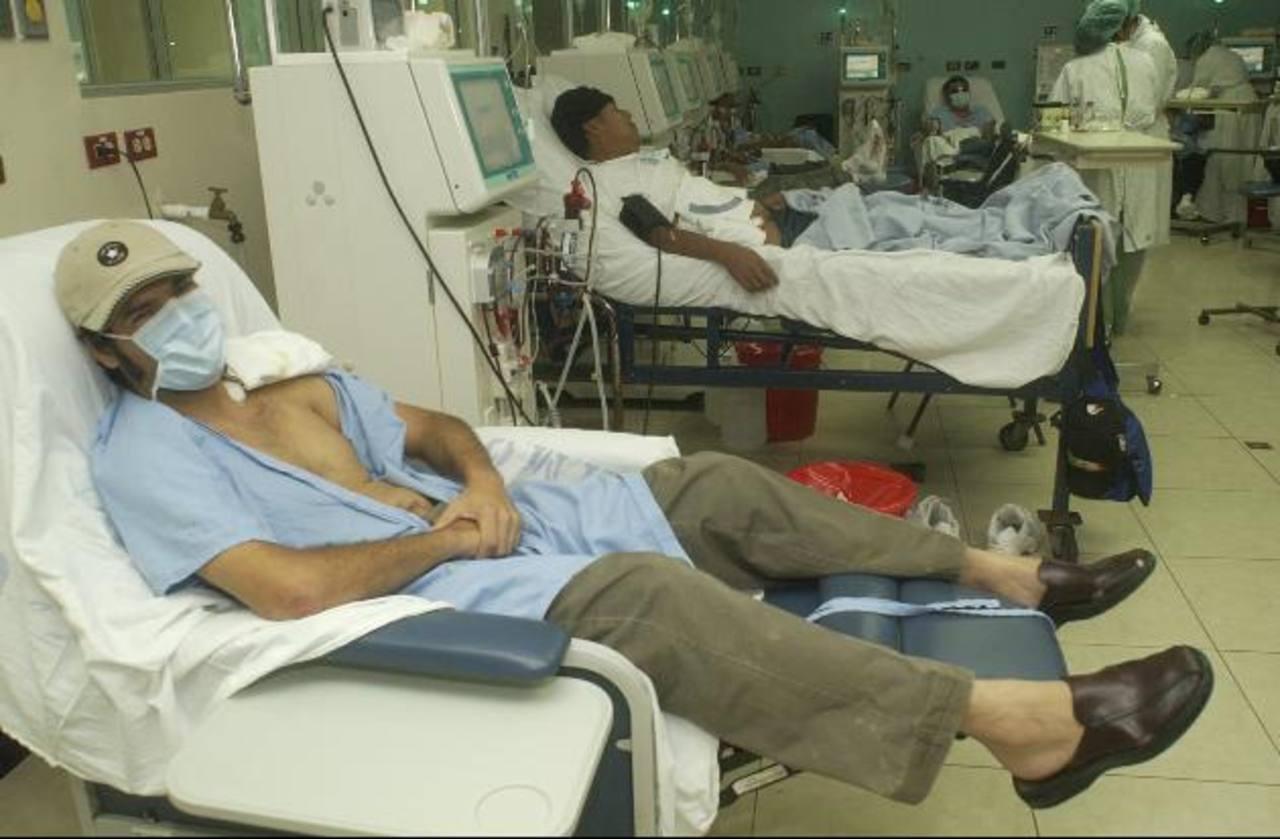 Pacientes con insuficiencia renal reciben el tratamiento de hemodiálisis. Foto edh / ARCHIVO