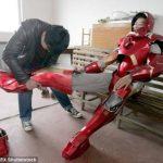 Chino tarda 6 meses para construir réplica perfecta del traje de Iron Man y no le quedó
