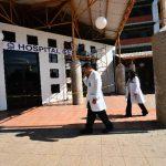 ISSS no dará aumento salarial a 50 médicos