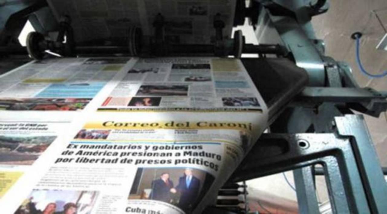 El 6 de enero de 2014 el mismo medio anunció que circularía con 8 páginas para afrontar la crisis de papel. foto edh / internet