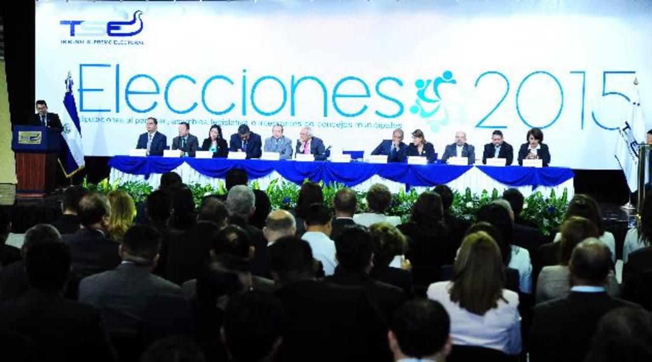 El TSE calificó de positivo el proceso. Foto edh/rené Quintanilla