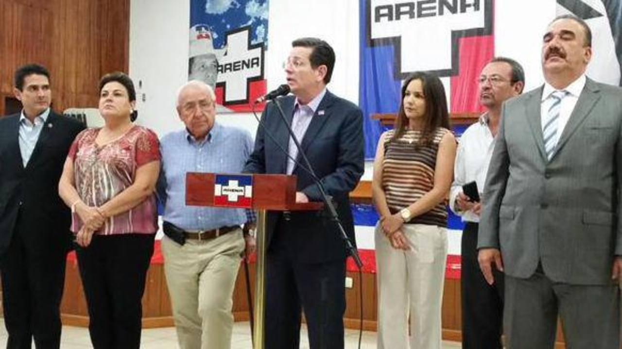 "ARENA: ""Exigimos a Sánchez Cerén se preocupe por problemas del país"""