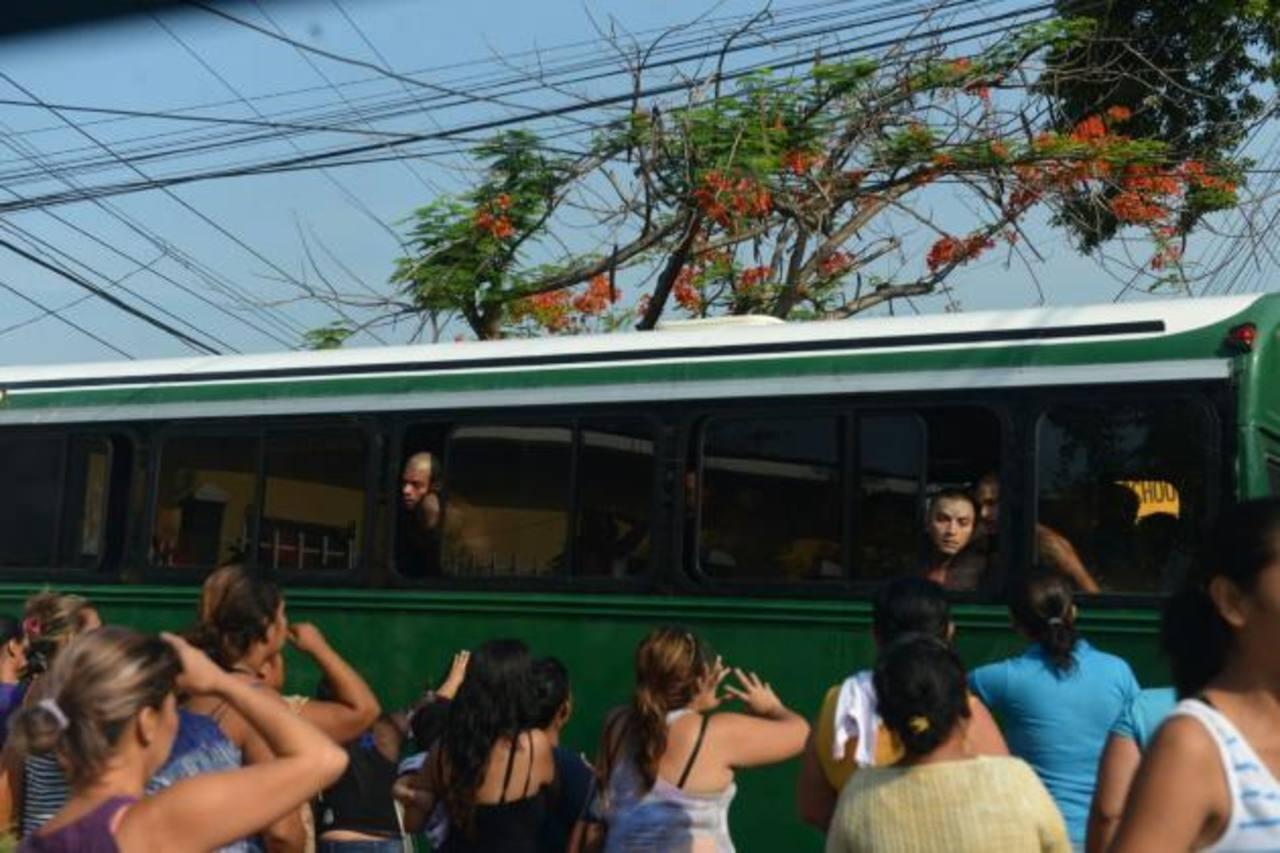 Nuevo traslado masivo de reos de penal de Quezaltepeque