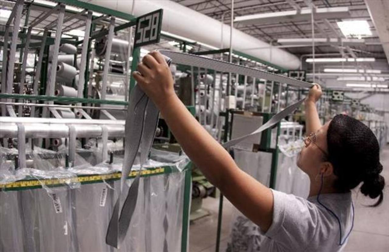Fusades señala que bajo crecimiento económico afecta participación laboral de mujeres