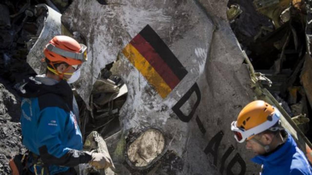 Copiloto de Germanwings investigó métodos suicidas, según fiscal