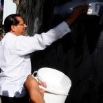"""El pastor Carlos Rivas en su cuenta de Twitter, expresaba ayer mensajes como """"perdónalos, Señor"""". Foto EDH/Archivo"""