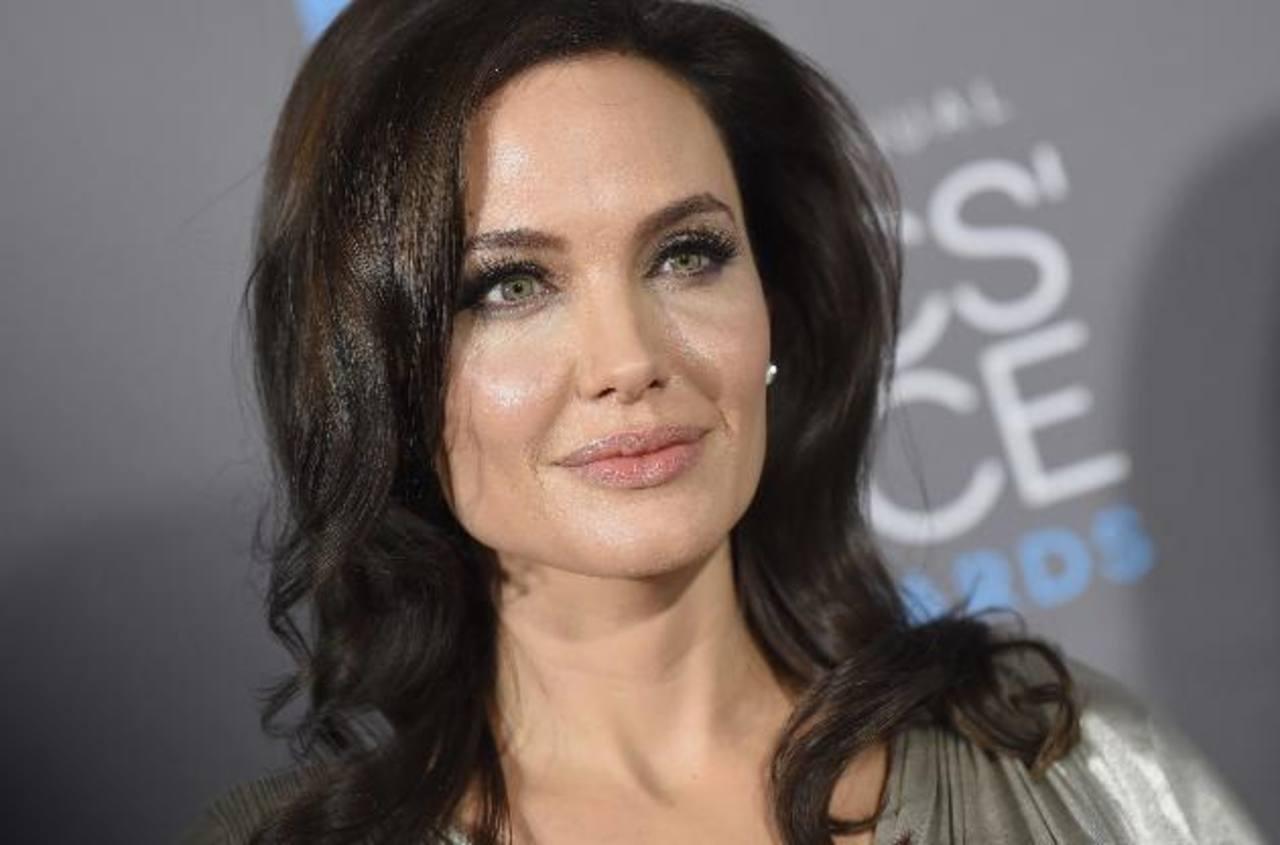 Genéticamente, Jolie tiene un alto riesgo de desarrollar cáncer de seno y ovarios.