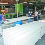 Salvadoreños desarrollan tecnología de calidad internacional