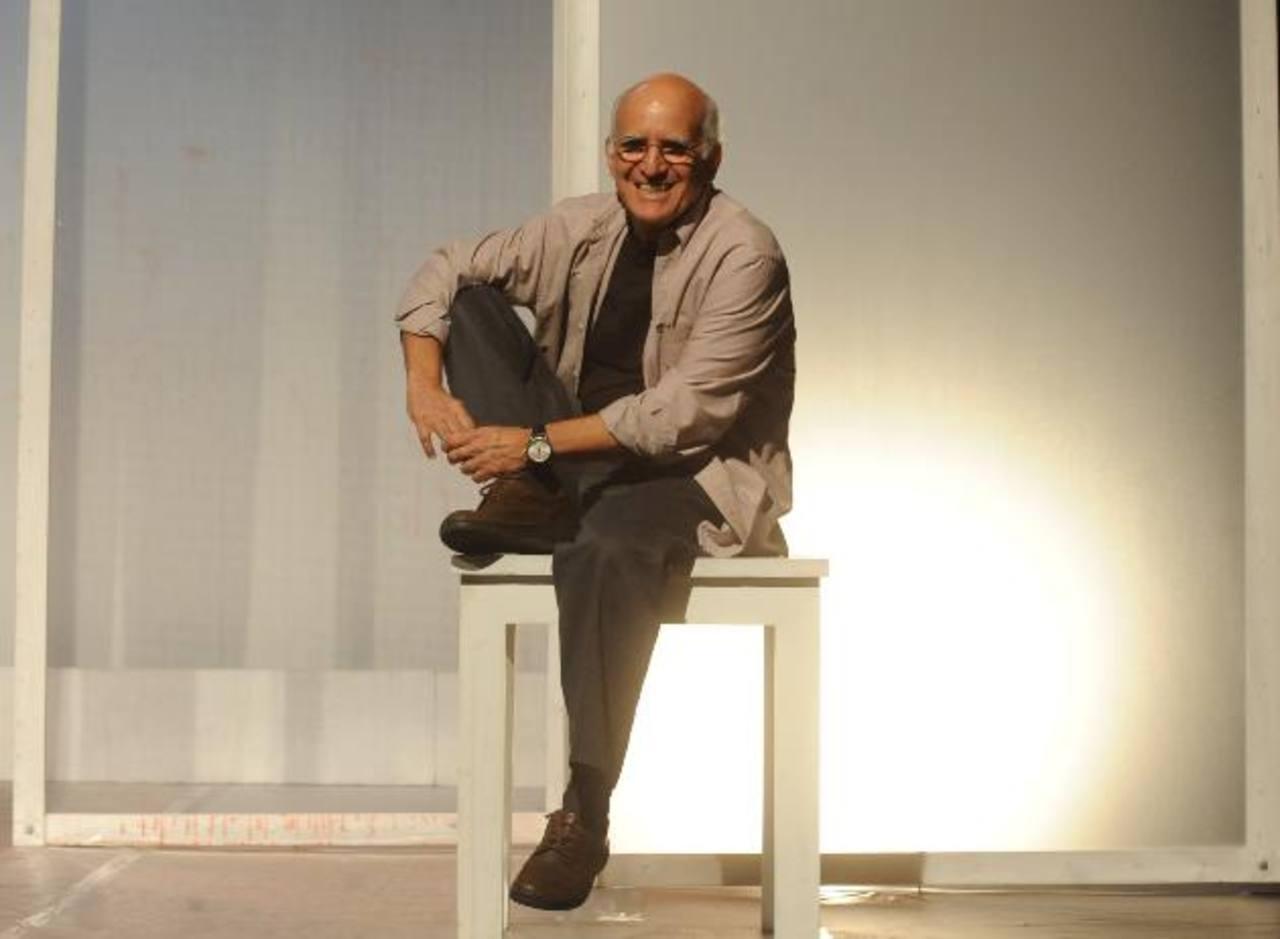 El director del Teatro Poma ha sido reconocido por su trayectoria y hoy la Academia de la Lengua lo distingue. Foto EDH