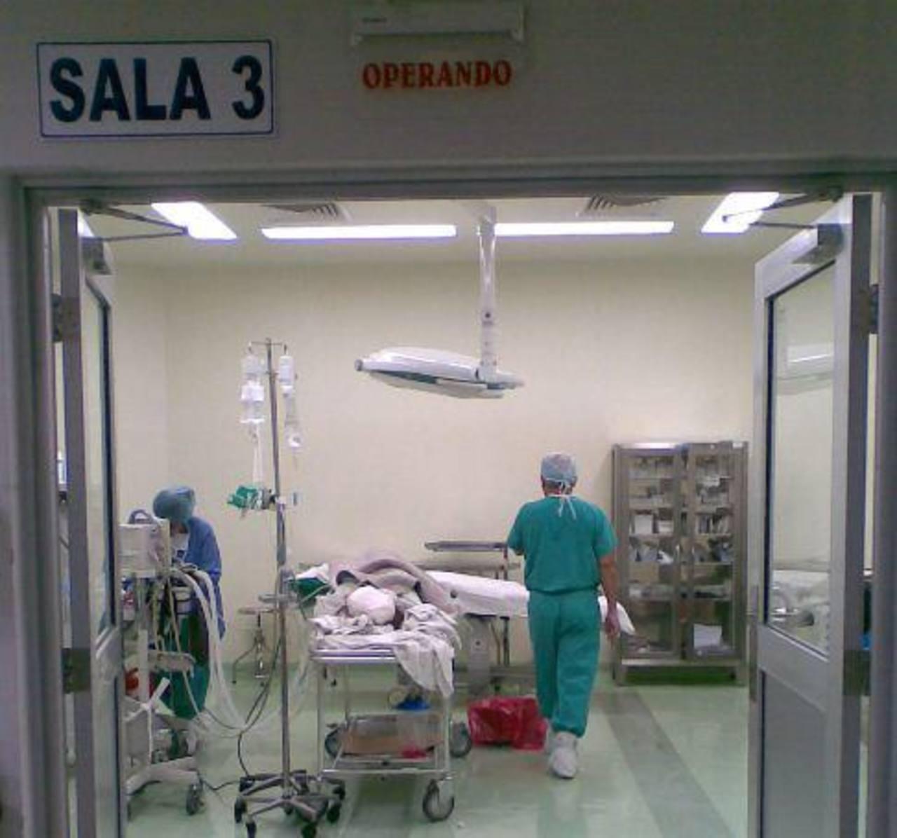 Aire acondicionado de los quirófanos del hospital Rosales están dañados