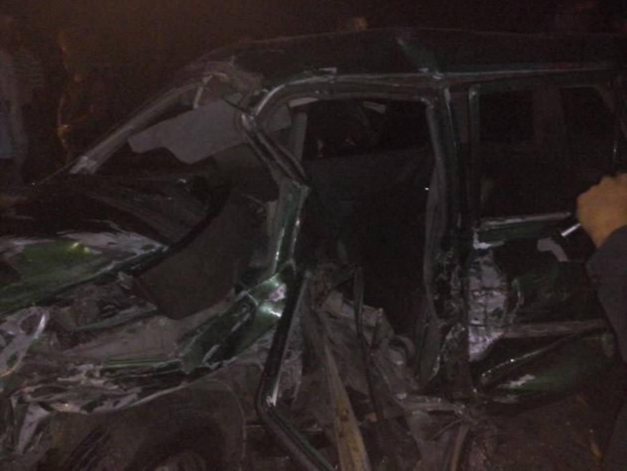 Accidente dejó al menos 4 personas lesionadas. /