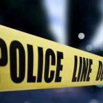 La Policía mantenía acordonada el lugar donde ha sido localizada una fosa clandestina a la espera de la Fiscalía y forenses de Medicina Legal.