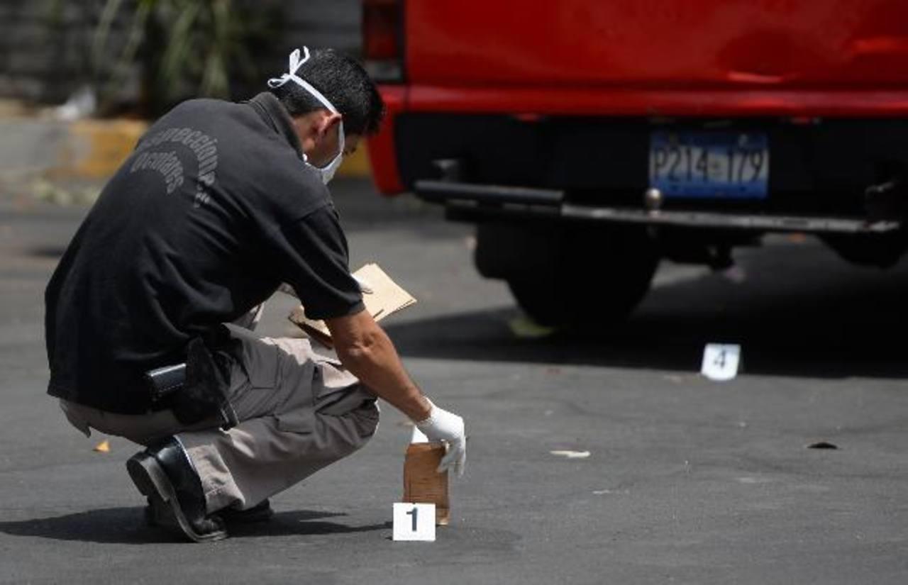 Una niña de 3 años resultó baleada en el ataque en el que falleció su padre, de 33 años. foto edh / archivo