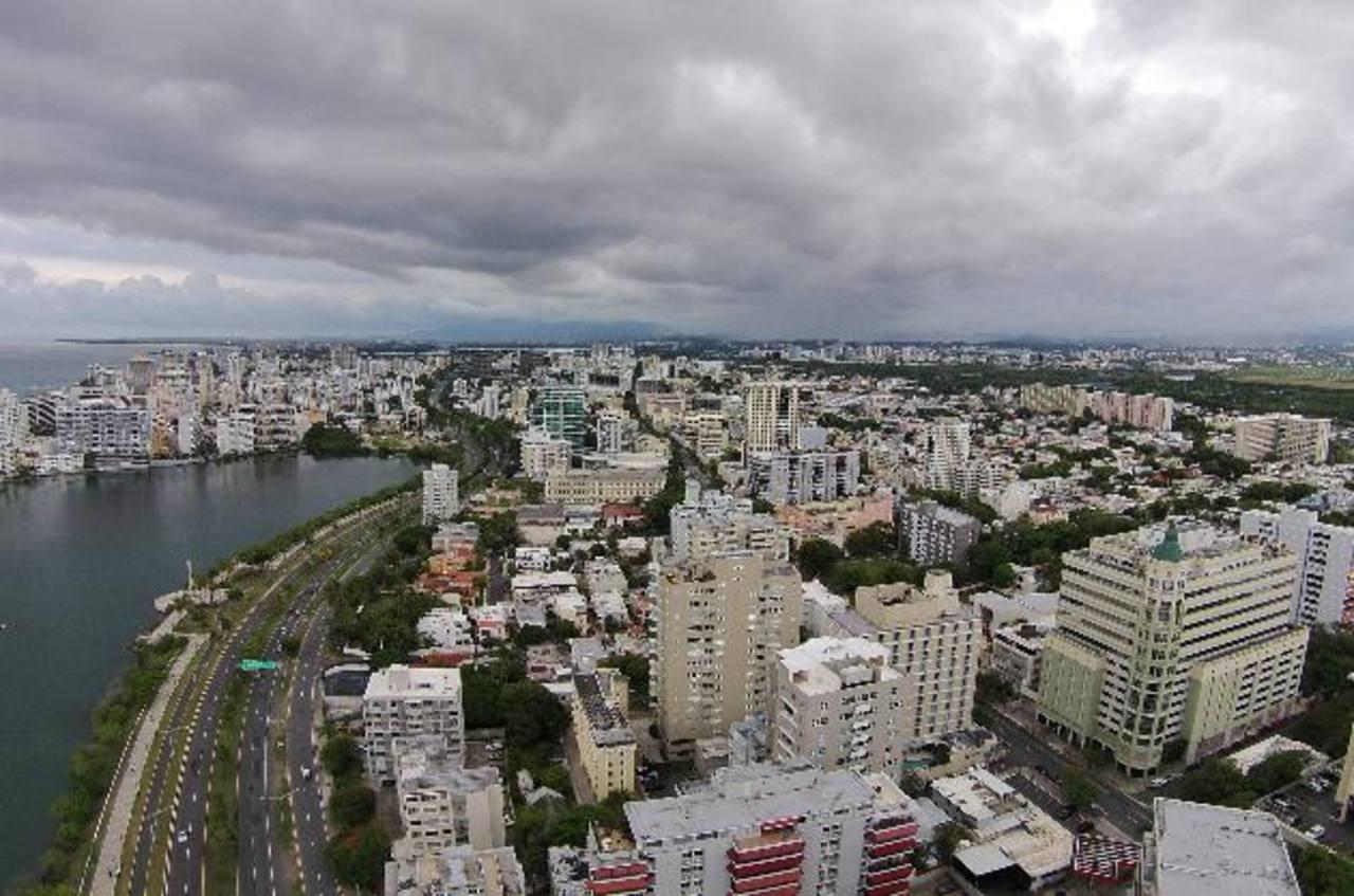 Puerto Rico quiere atraer a más inversionistas a su país para mejorar su economía, que presenta una elevada deuda pública.