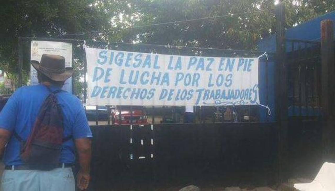 Miembros de SIGESAL del Hospital Santa Teresa de Zacatecoluca han realizado diversas denuncias por carencia de insumos durante el año.
