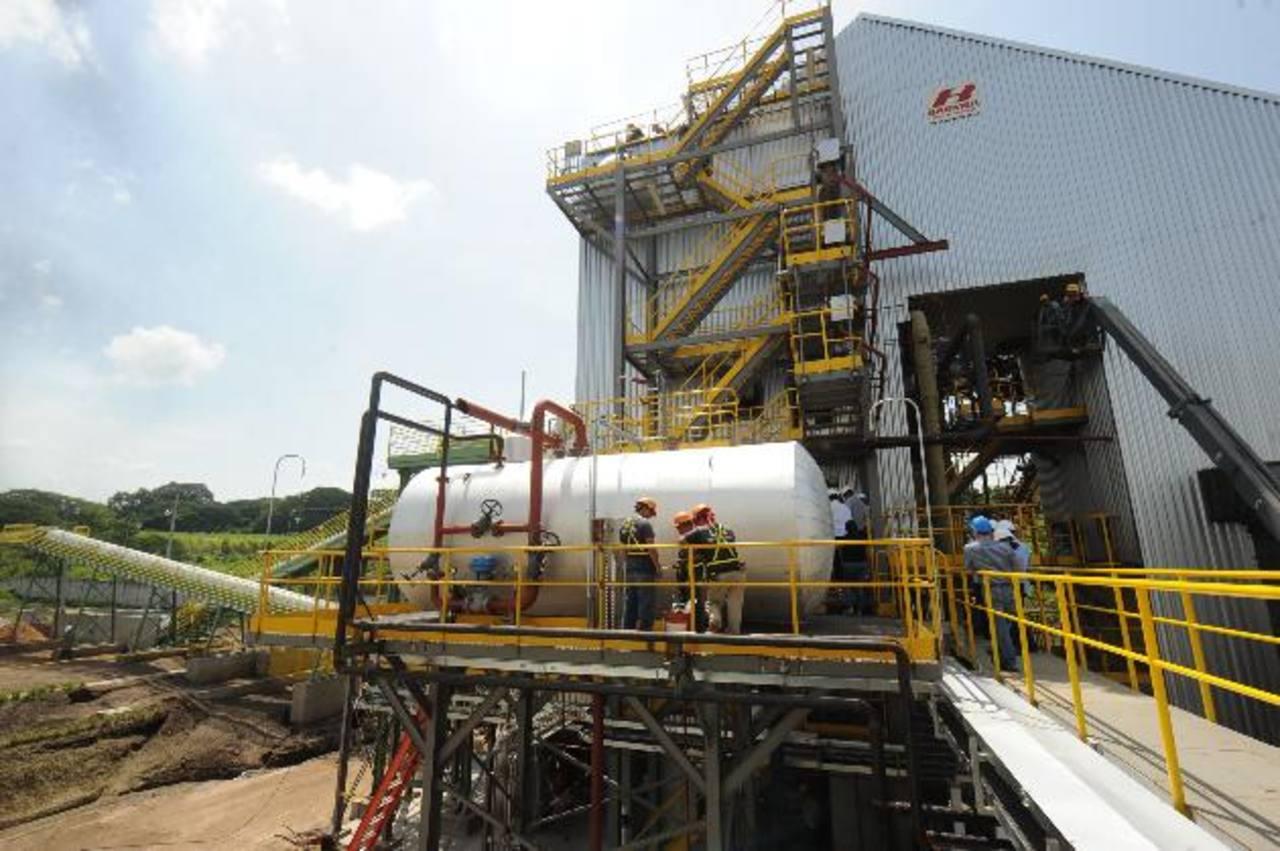 La planta de biomasa ha sido construida en casi 10 meses y está próxima a iniciar operaciones. fotos edh / Lisseth Monterrosa