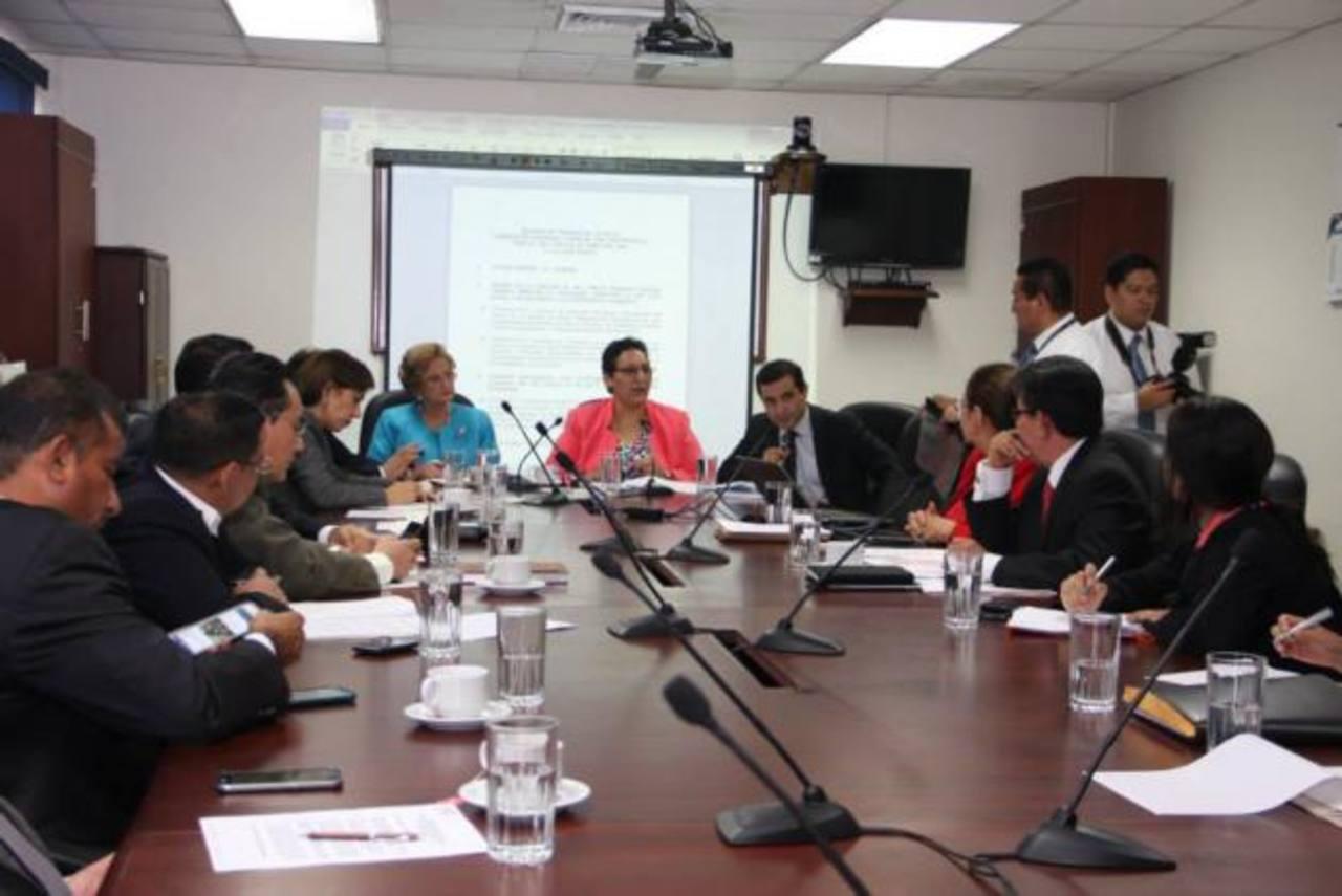 La comisión de Hacienda de la Asamblea Legislativa es la que debe discutir las reformas a la Ley del Fideicomiso de Obligaciones Previsionales.