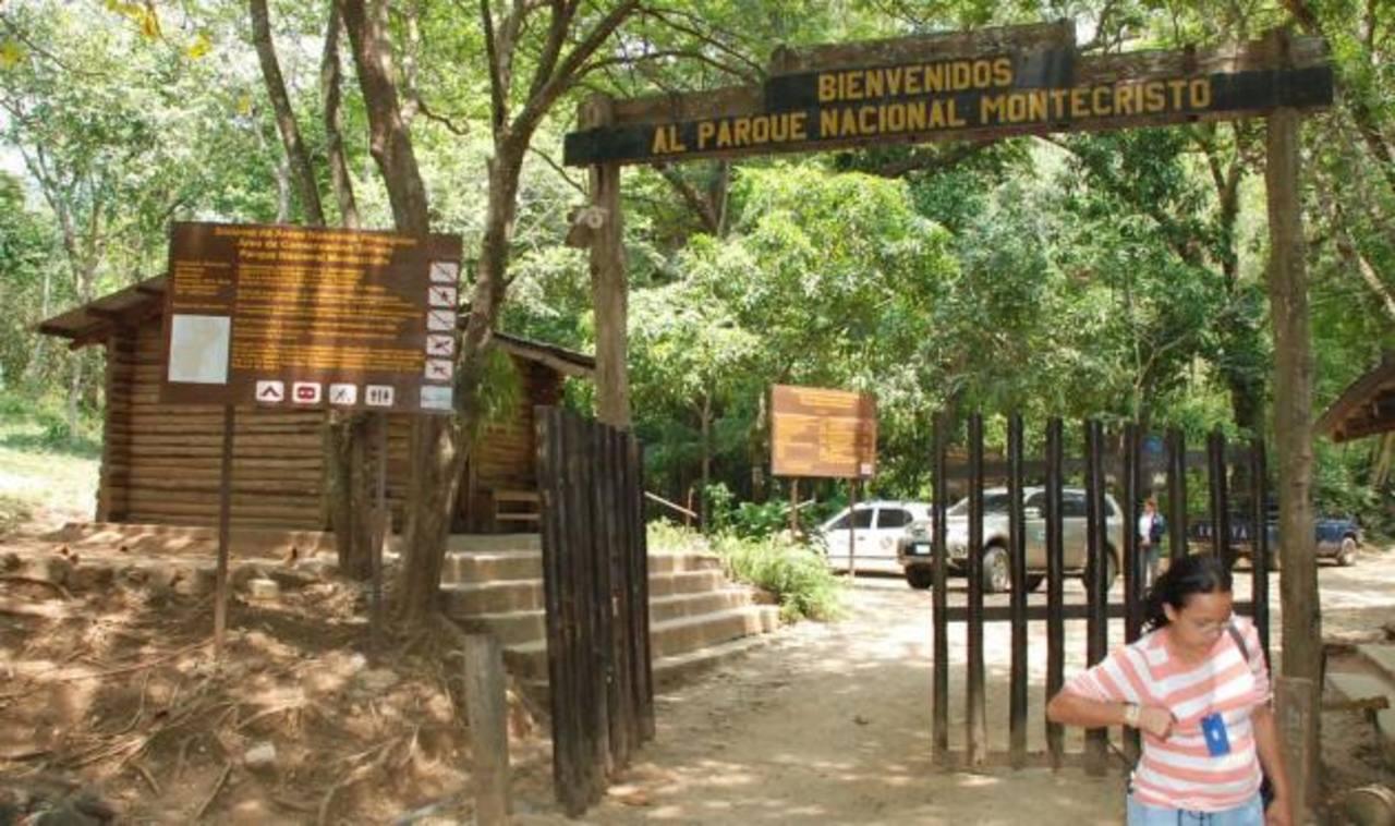 Cierran temporalmente el Parque Montecristo por derrumbes