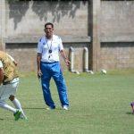 """Ramón Sánchez en una práctica. Su equipo tuvo un buen debut ante la """"H"""" (0-0). foto archivo"""
