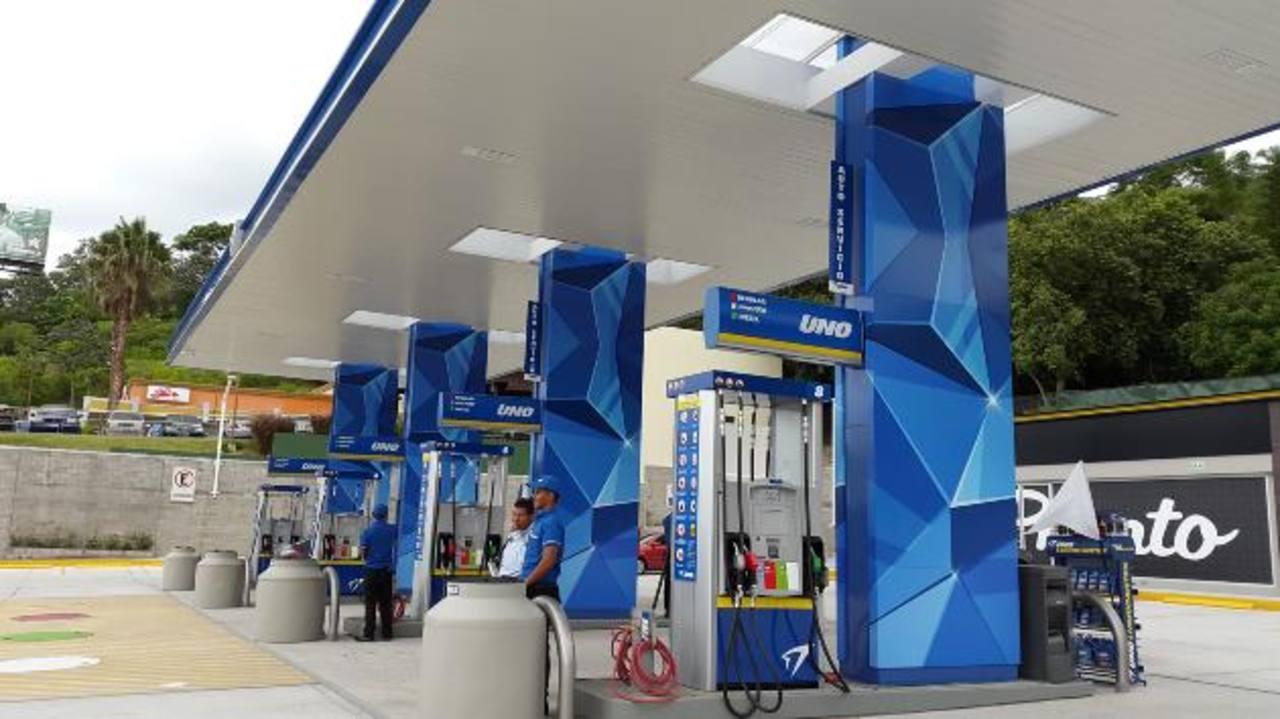 Estación de servicio Santa Elena, de las recién inauguradas por la compañía en El Salvador. Fotos EDH/Alexander Torres
